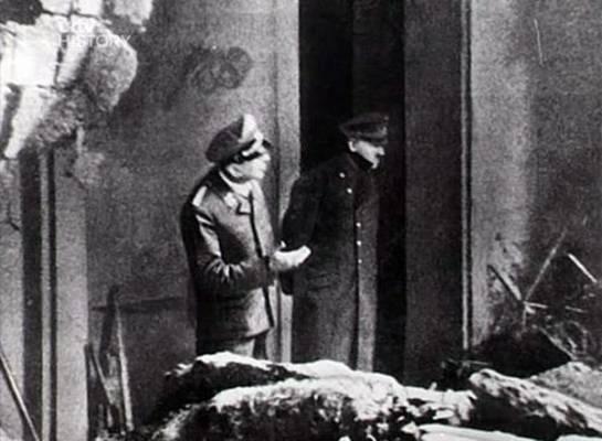 La última fotografía de Adolf Hitler. Tomada dos días antes de su muerte