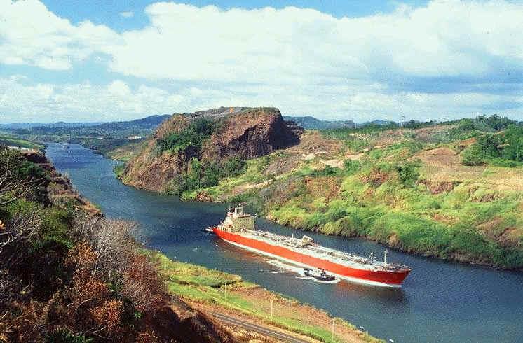 Vista del canal de Panamá