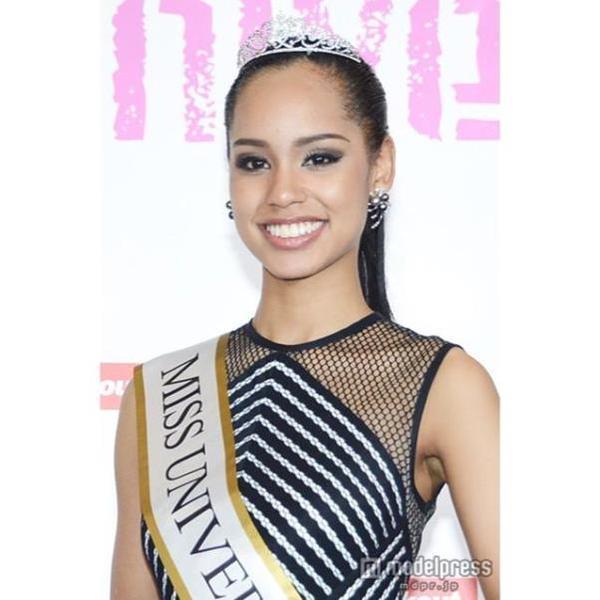 """La reina de belleza comentó a los medios que después de su triunfo, a pesar de que nació y ha vivido toda su vida en Japón, todavía cuestionan su origen.  """"Cuando digo que soy japonesa la gente me responde: 'no puede ser'. No lo creen""""."""