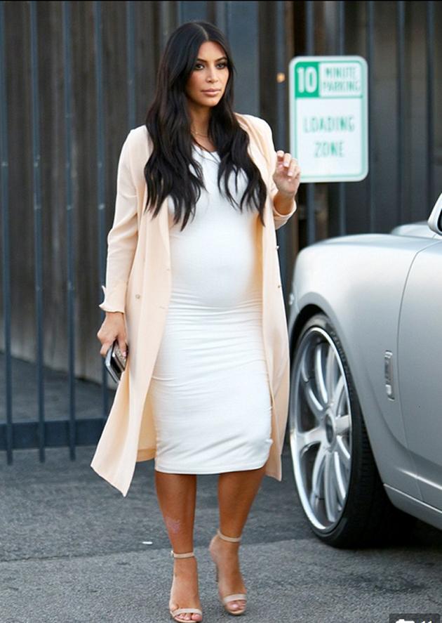 Kim Kardashian muestra su