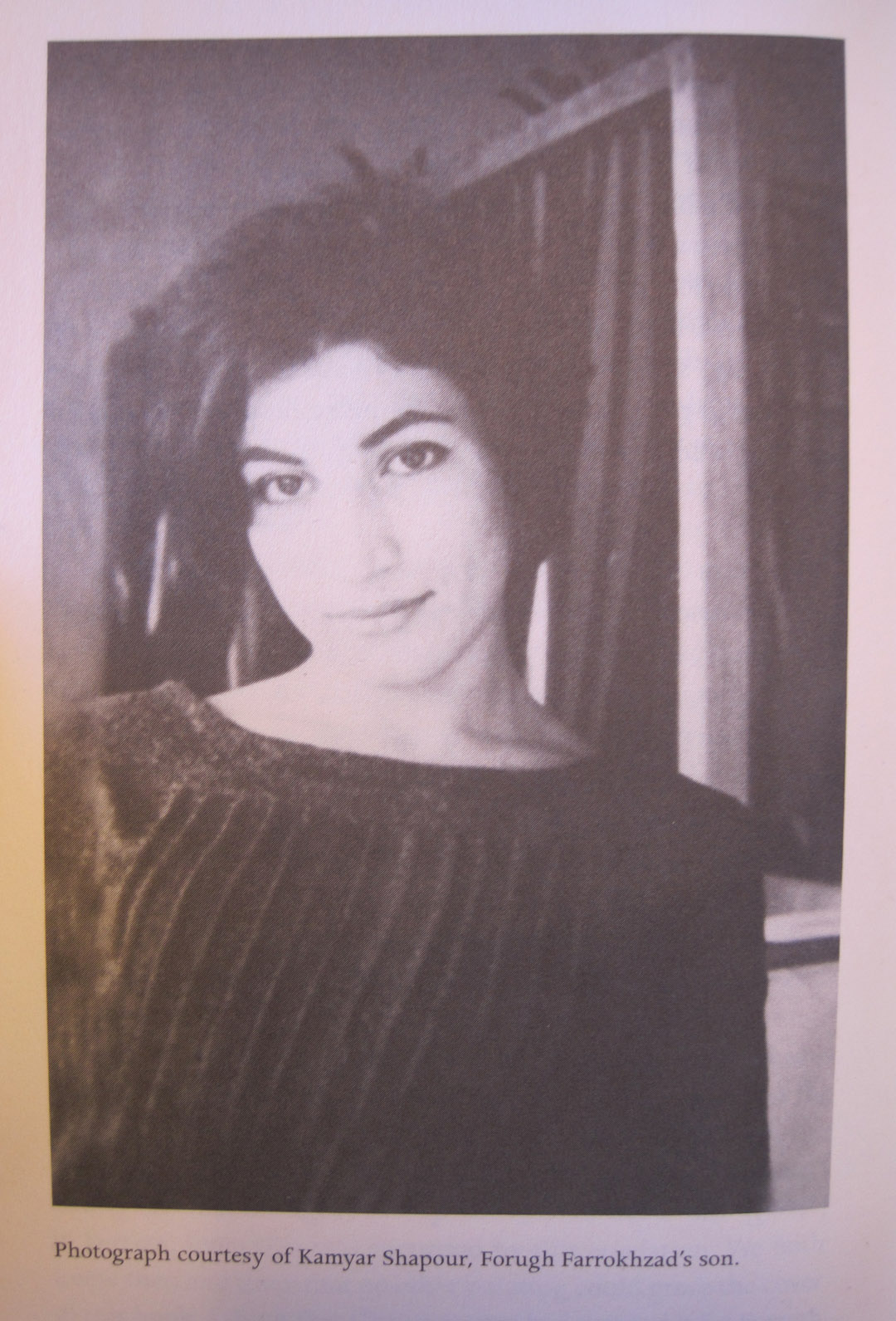 Es una figura esencial en la historia de la cultura de Irán durante el siglo XX