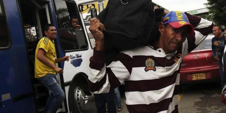 colombiano deportas