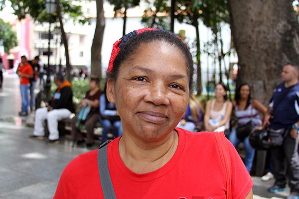 """María Pérez apoya """"al cien por ciento"""" el cierre de la frontera, ya que a su juicio el pueblo no puede seguir tolerando que se estén traficando la comida por la frontera. Foto: Daniel Tineo"""
