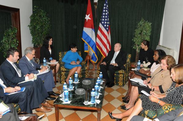 Malmierca sostuvo que las diferencias que existen entre Cuba y Estados Unidos se irán resolviendo para seguir adelante el camino hacia la normalización