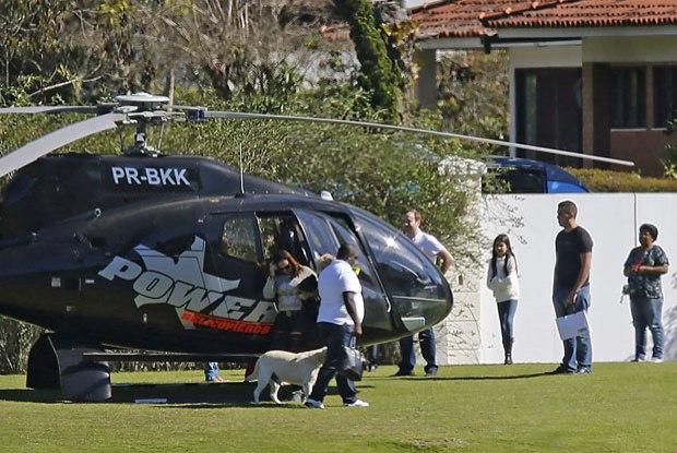 Además del helicóptero, recientemente la justicia brasileña también embargo un yate y avión del Neymar