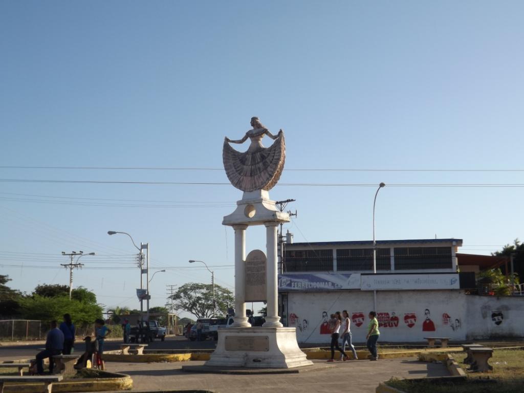 Monumento Maria Laya
