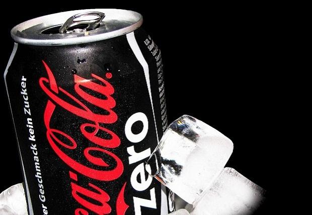 coca-cola-zero,-cubitos-de-hielo,-lata-165680
