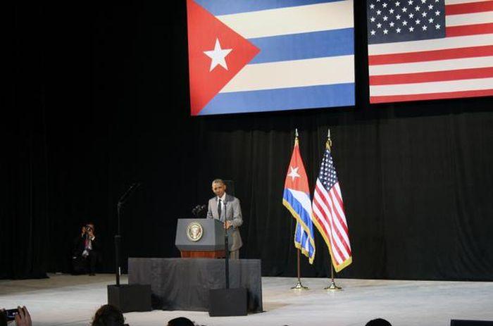 """""""Yo he venido aquí a enterrar los últimos remanentes de la Guerra Fría en las Américas. Yo he venido aquí a extender una mano de amistad al pueblo cubano"""""""