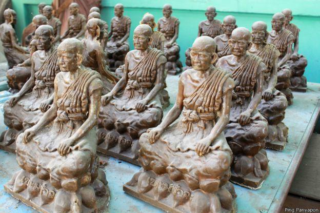 Estatuas de Luang Poh Yaoi