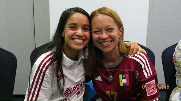 María junto a su madre, Luci Catarí