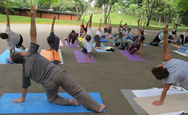 Yoga-en-Caracas-Parque-Miranda