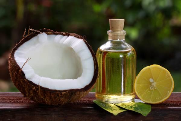 El-Aceite-De-Coco-Y-Jugo-De-Limón