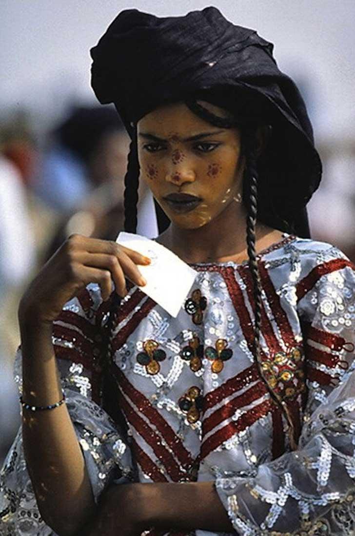 mujer-tribu-wodaabe