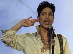Abogados de Prince podrían tomar muestra de sangre para posibles demandas de paternidad