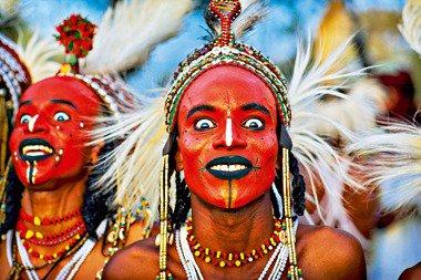 tribu-wodaabe-se creen-hermosos