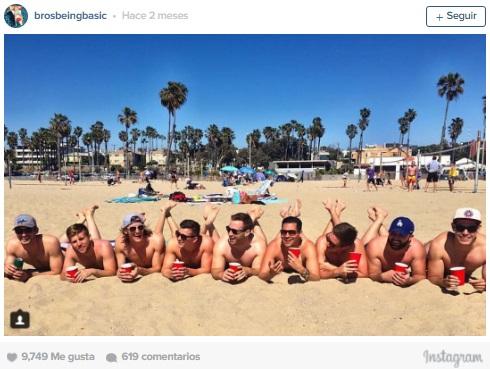 Imitacion hombres en la playa