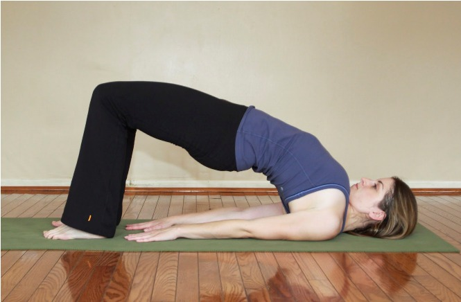 Yoga_Poses_For_a_Flat_Tummy_3