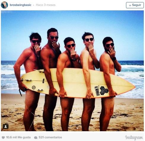 imitacion hombres surfistas