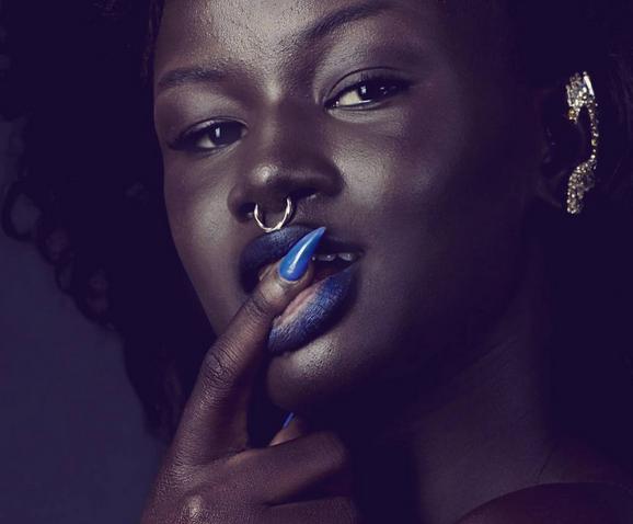 modelo-negra