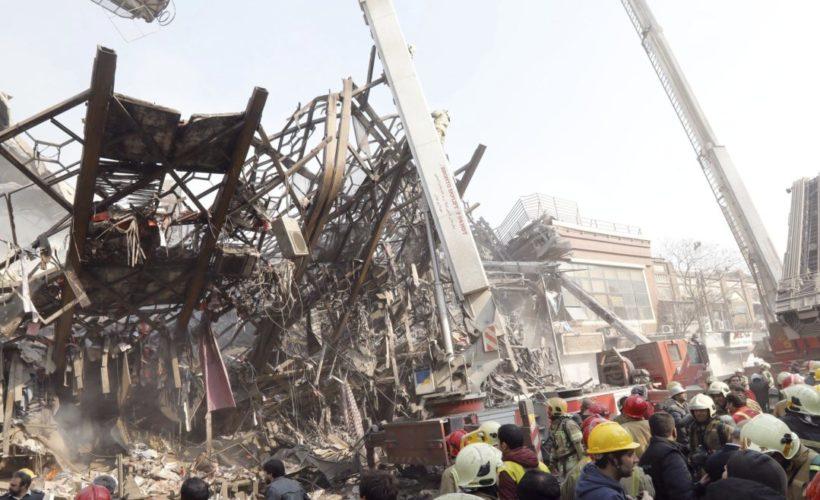 Derrumbe de edificio en Teherán