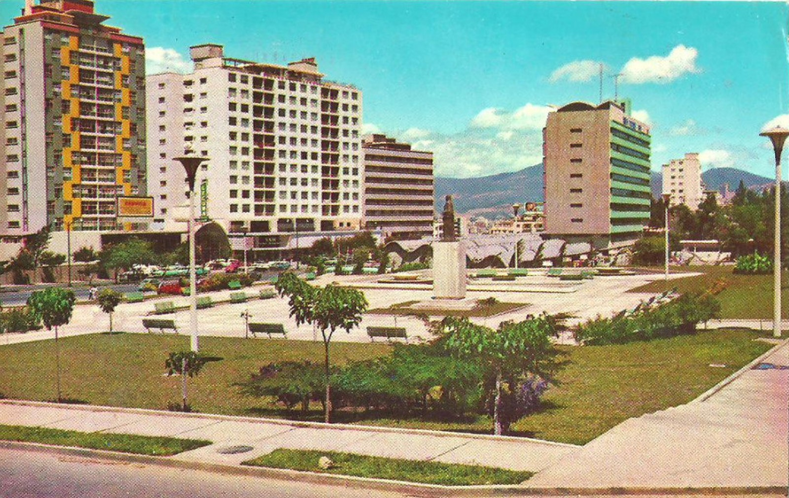 Lateral plaza Andres Bello 1956
