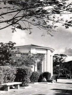 plaza la concordia bancos, templete