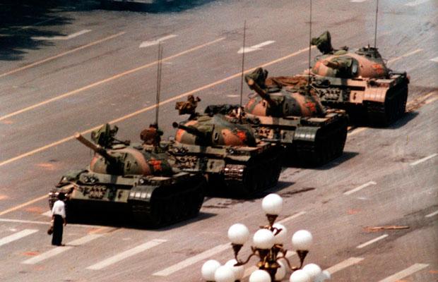 hombre-tanque-China-guerra