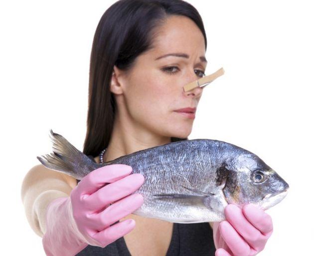 La mujer con el s ndrome de olor a pescado - Como eliminar el mal olor de una habitacion ...