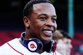 Dr.Dre pinchando en concierto
