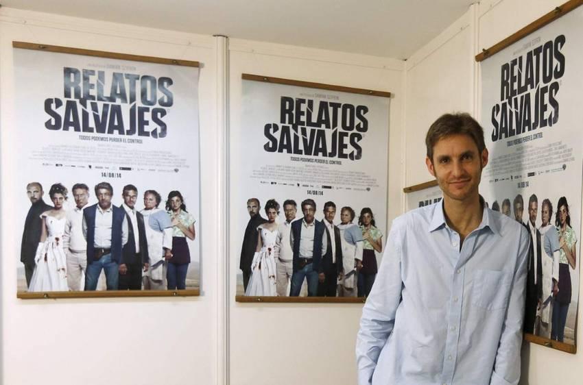 Director de Relatos Salvajes con carteles