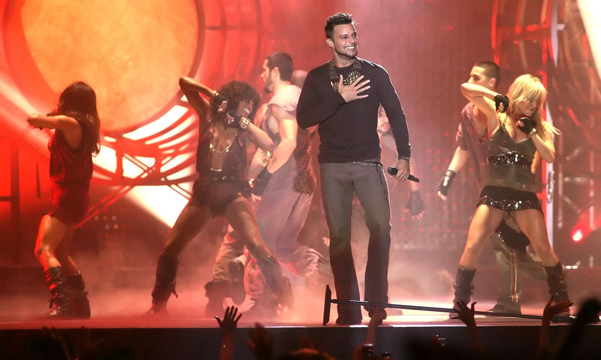 Ricky Martin cambia la letra