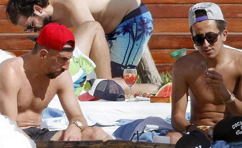 fumando marihuana en Ibiza?