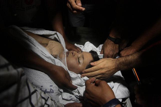 Gaza: Niño fallecido en mortaja
