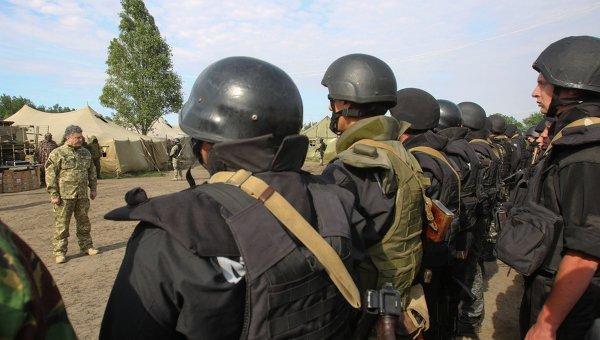 Ucrania: Porochenko con tropas decreto de guerra