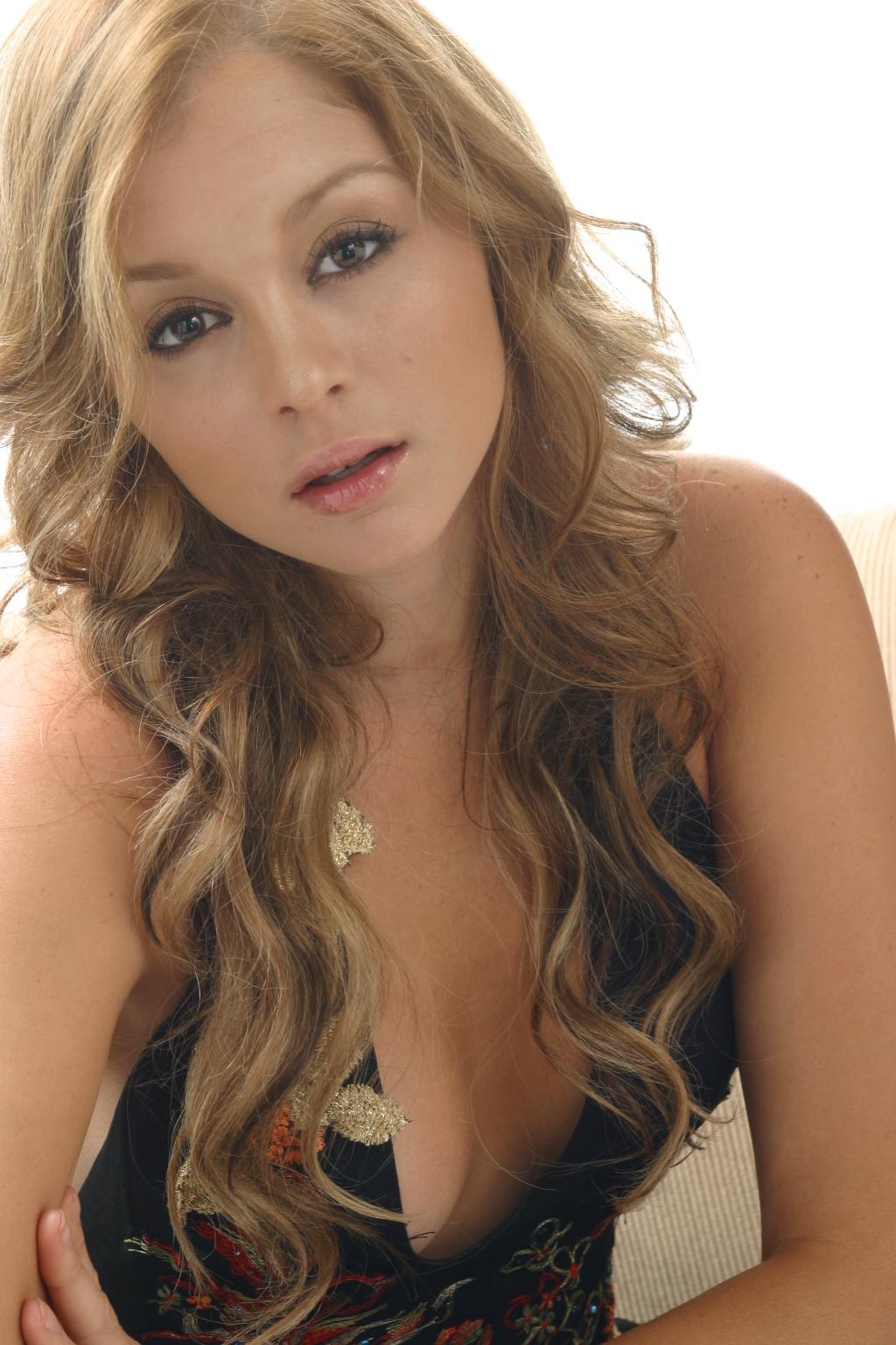 Ex Miss Puerto Rico 2007: Uma Blasini