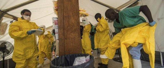 Equipos médicos luchan contra el ébola