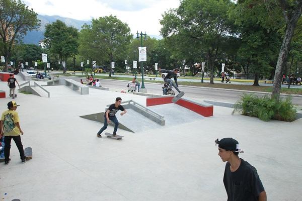 """Skate Plaza """"Los Símbolos"""""""