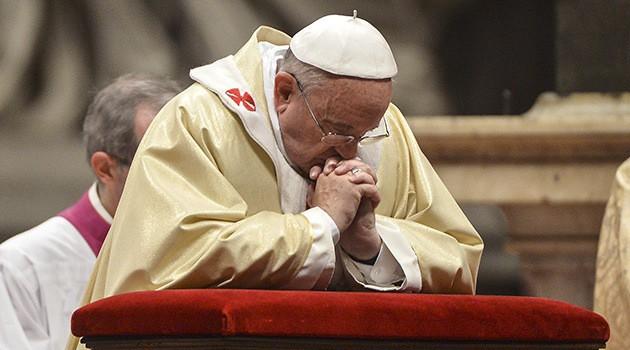 Mueren familiares del papa Francisco