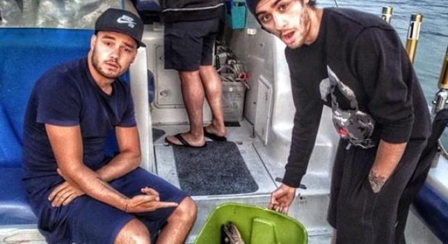 Liam Payne y Zayk Malik pescando en el Caribe
