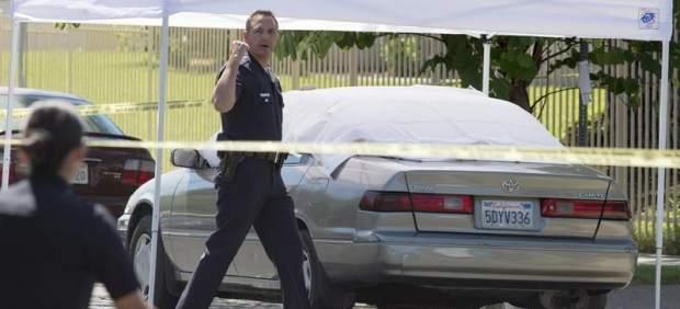 Policías de Los Ángeles en lugar del delito