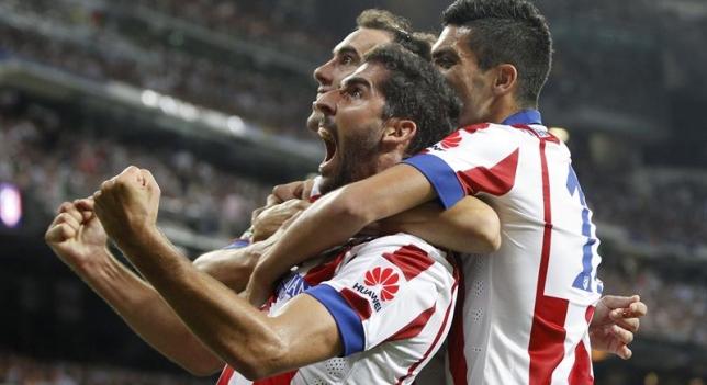 Raúl García celebra un gol
