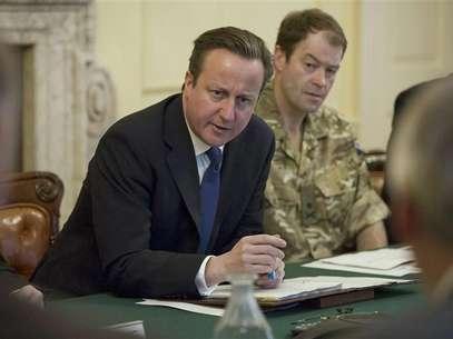 Primer Ministro Británico convoca reunión de emergencia