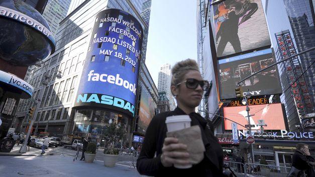 Anuncios de Facebook con mujer en primer plano