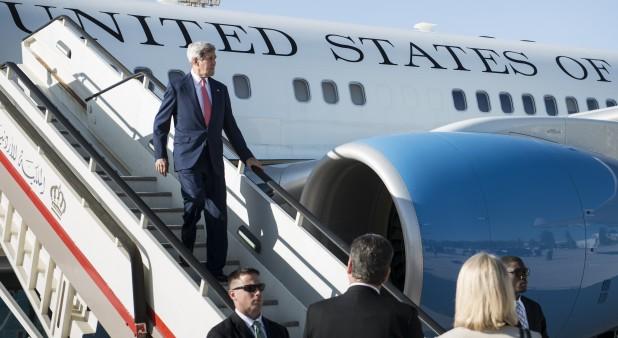 John Kerry llega a Irak