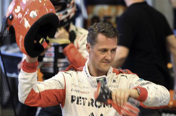 Michael Schumacher al finalizar una carrera de Fórmula