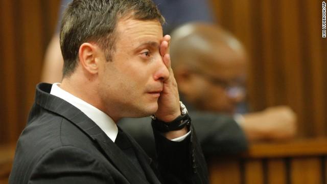 Oscar Pistorius llora al oir veredicto de la juez