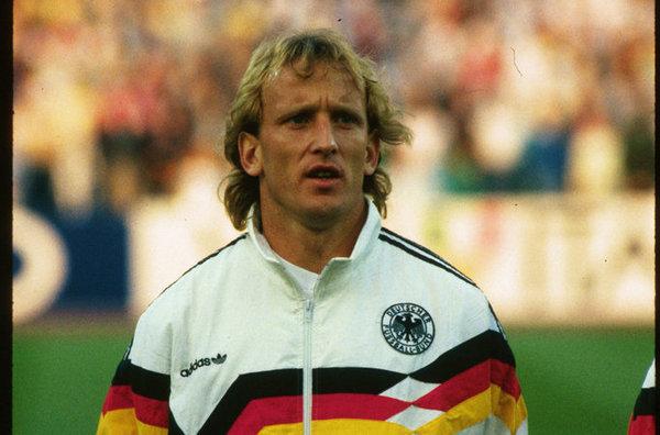 Andreas Brehme con la selección oficial de Alemania