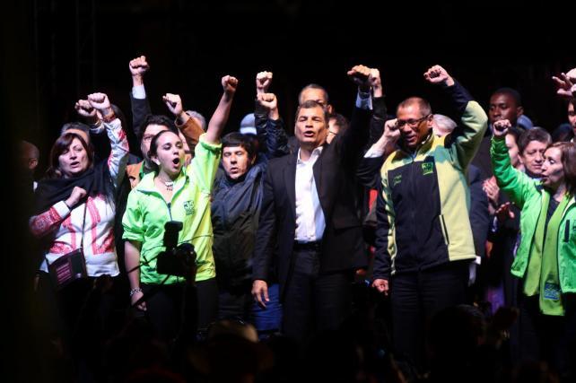 Presidente Correa y asistentes ELAP