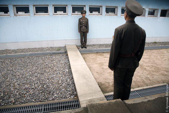 Militares coreanos en ciudad limítrofe
