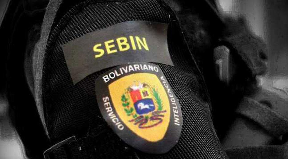 Hombrera con insignia del SEBIN